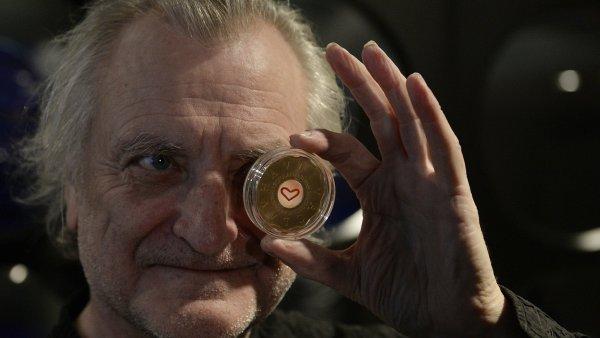 Autor Bořek Šípek (na snímku) představil 18. prosince v Praze medaili k třetímu výročí úmrtí Václava Havla.