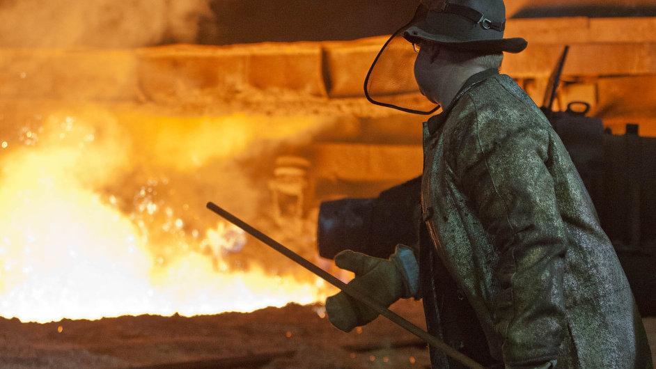 Levná čínská ocel ohrožuje tradiční evropský průmysl.