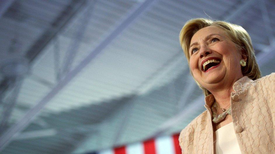 Demokratka Hillary Clintonová má podle průzkumů 95procentní naději na celkové vítězství.