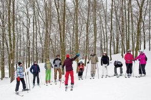 Malý Špindl za Prahou: Ve zmodernizovaném lyžařském areálu Chotouň se dá díky zasněžování lyžovat až do konce dubna