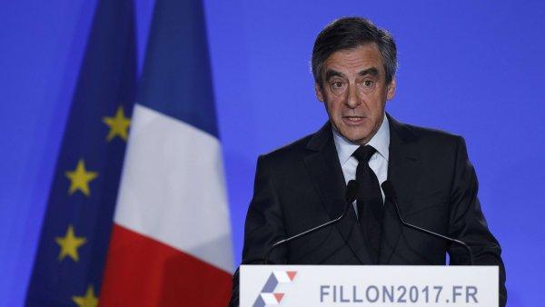 Fillon tvrdí, že choť pro něj odváděla skutečnou práci.