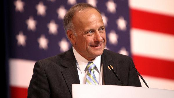 Kongresman Steve King pochází z Iowy, kde je početná česká menšina.