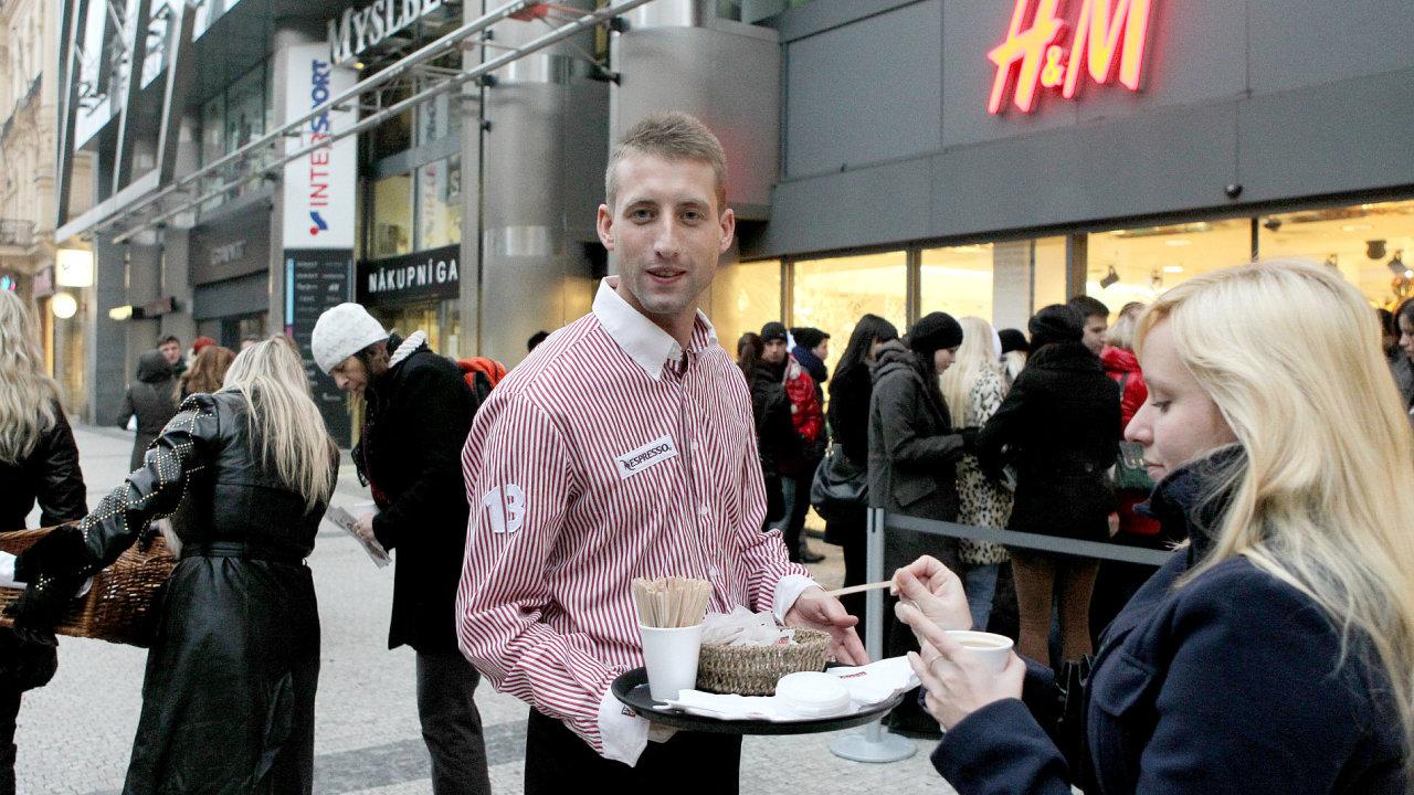 Slevy v pražské prodejně H&M