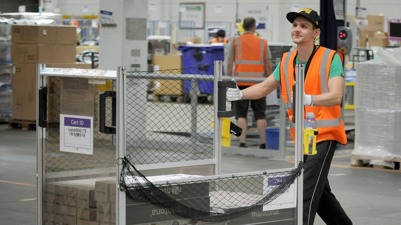 V Česku pracuje u Amazonu až pět tisíc lidí.