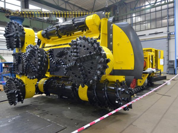 Hodnota stotunového stroje na těžbu draselné soli pro ruskou těžební společnost Uralkali je 60 milionů korun.
