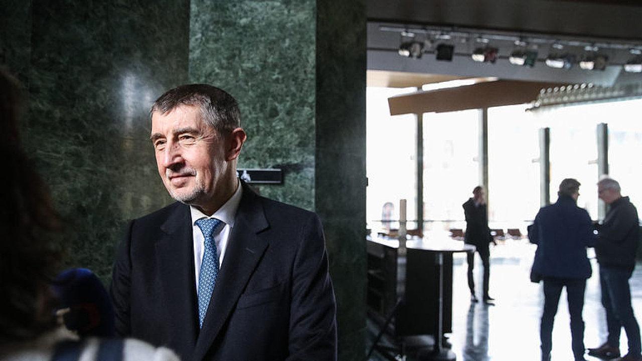 Babiš: Nabídli jsme ČSSD klíčové resorty, ale trvali na vnitru pro Hamáčka, nerozumím tomu.