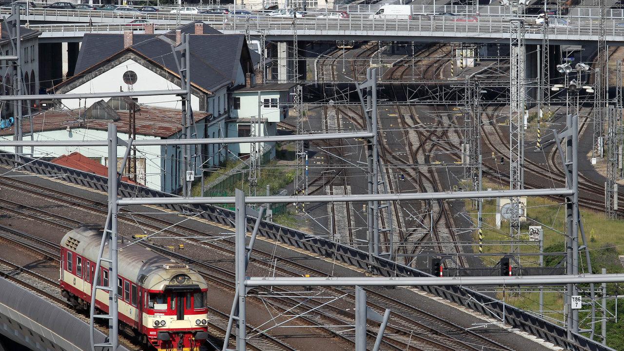 Společnost ČD - Telematika vlastní telekomunikační síť podél tuzemských železničních tratí.