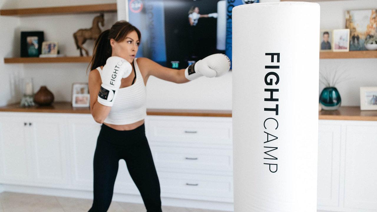 Pod značkou FightCamp se skrývá fitness systém založený naboxování.