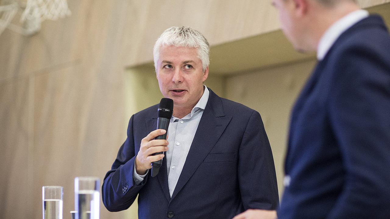 Ján Hájek na investiční konferenci Hospodářských novin v lednu 2018.