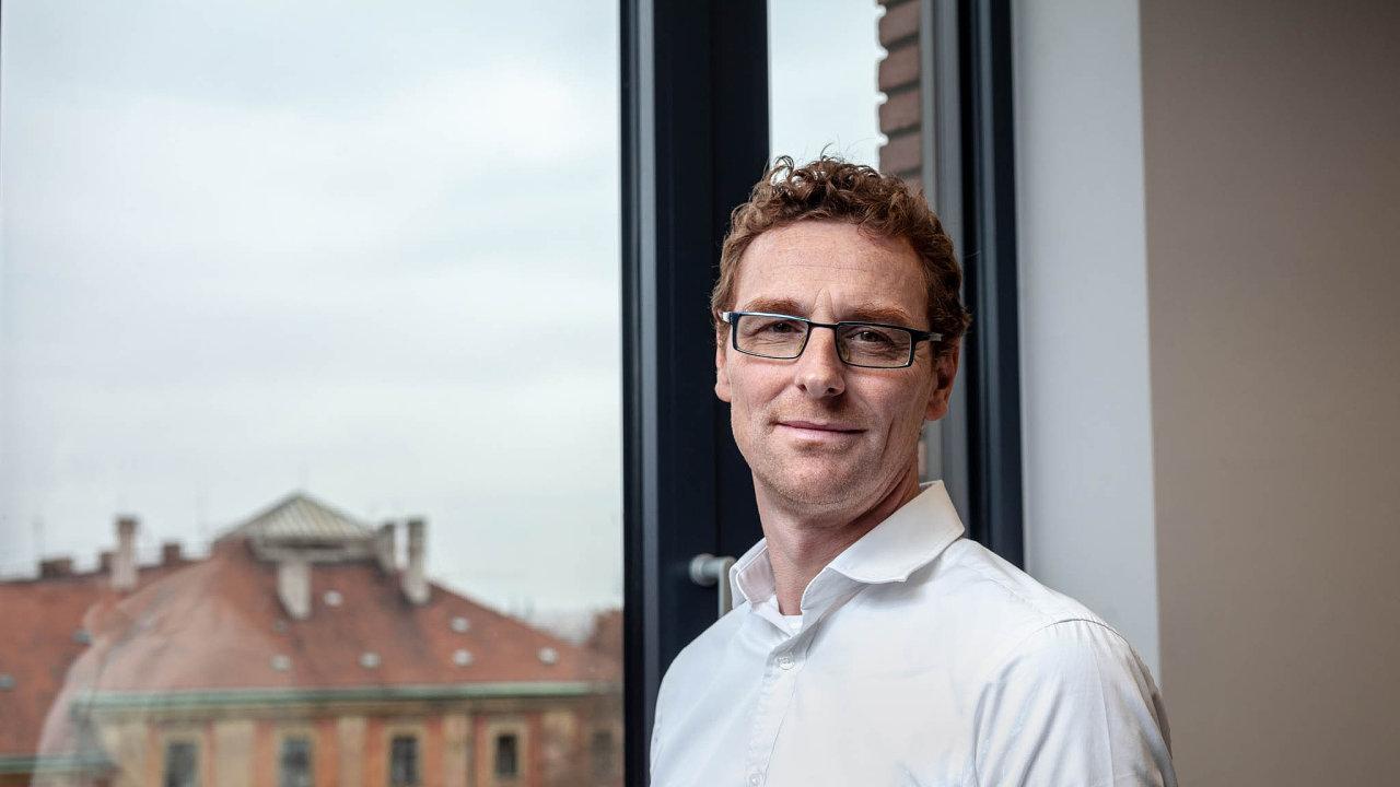 Jednatelem společnosti BASF spol. s. r. o. Filip Dvořák
