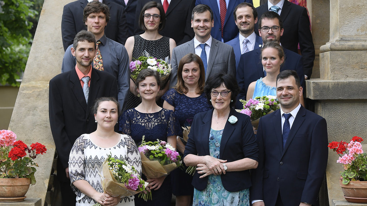 Laureáti Wichterleho prémie 2019 a předsedkyně Akademie věd ČR Eva Zažímalová .