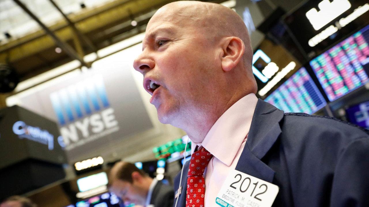 Jede to nahoru. Americké burzy byly po několikatýdenním vzestupu akcií těsně pod rekordem.
