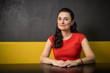 Alena Tkáčová, provozní a obchodní ředitelka J&T Banky ČR