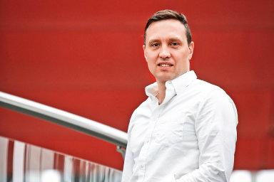Productboard v roce 2014 založili a stále vedou Hubert Palán (na fotografii) s Danielem Hejlem. Mezi klíčové klienty firmy patří Microsoft, Avast, Zendesk, Unity nebo firma UiPath.