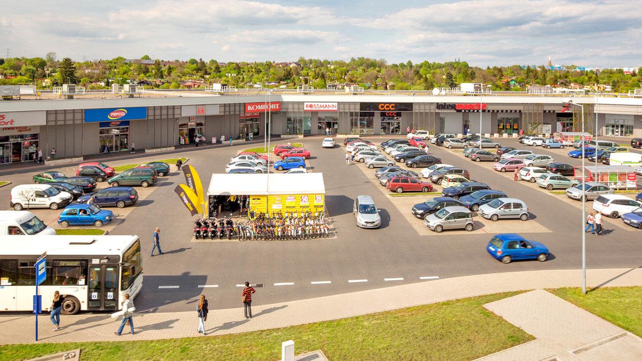Investiční skupina DRFG si pro svoji expanzi dozahraničí vybrala Polsko, kde koupila obchodní centra aparky. Nasnímku obchodní centrum vKatovicích.