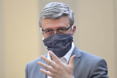 """Ministerské řešení. Za klíčový nástroj podpory podnikatelů v koronavirové krizi označil ministr průmyslu Karel Havlíček """"záruční schémata""""."""