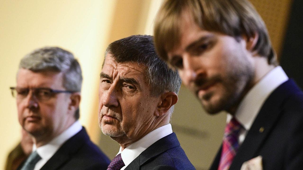 Rozmysli se dobře: Premiér Babiš ministru zdravotnictví Vojtěchovi věří, často ho teď ale kritizuje.