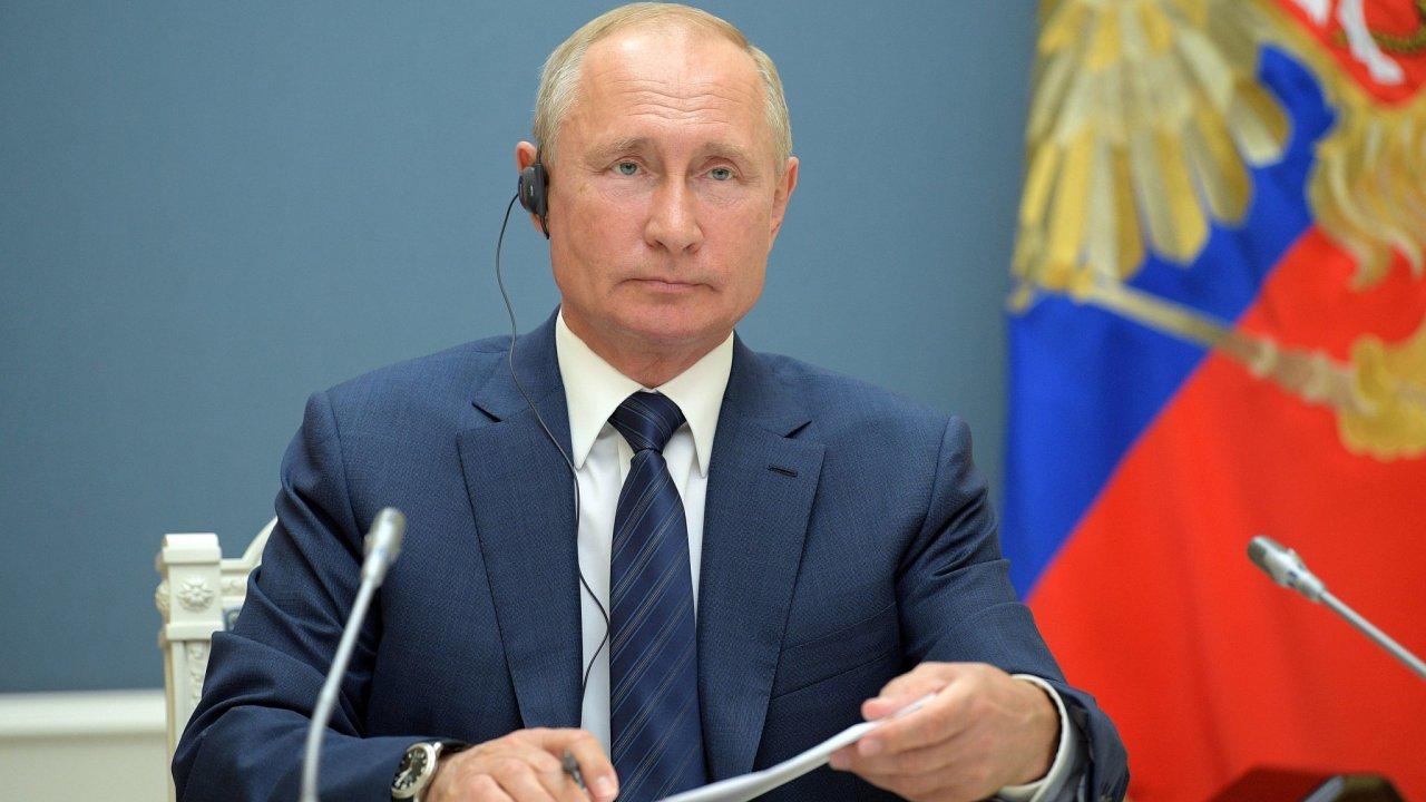 Ruský prezident Vladimir Putin má díky výsledku referenda o změnách ústavy možnost zůstat v úřadu až do roku 2036.