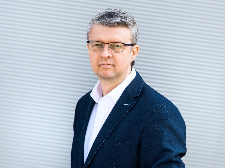 Vicepremiér aministr průmyslu aobchodu Karel Havlíček (zaANO).