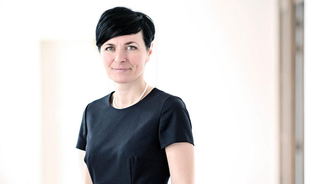 Akční šéfka. Vrchní státní zastupitelství v Praze pod vedením Lenky Bradáčové v protikoronavirových opatřeních předběhlo i hygienu.