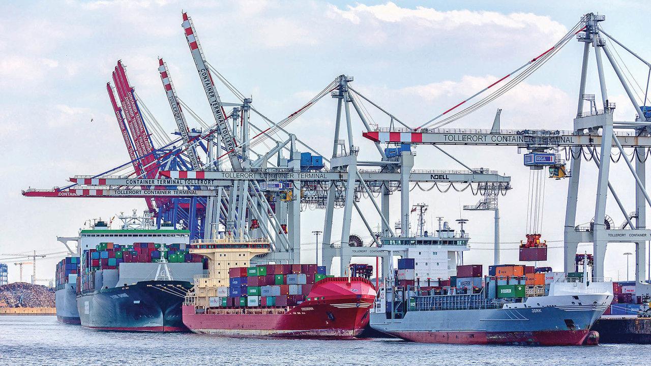 Lodě vhamburském kontejnerovém přístavu