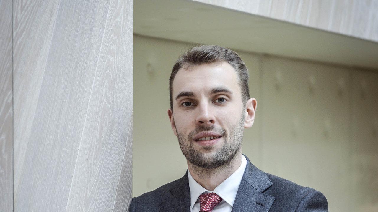 Probíhající pandemie covidu-19 urychlila investice doinformačních technologií ivodvětví zprostředkování finančních služeb, říká Jiří Havrlant, výkonný ředitel společností Chytrý Honza.