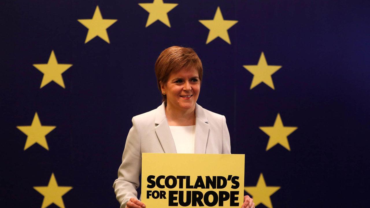 Skotská premiérka Nicola Sturgeonová chce vyhlásit nové referendum onezávislosti Skotska. Slibuje, že mu zajistí evropskou legitimitu.