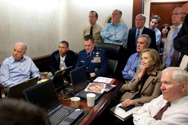 Barack Obama v Situation Room v Bílém domě
