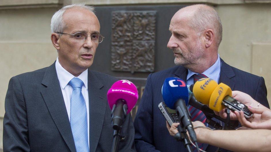 Jan Burian a Jiří Balvín na pátečním briefingu