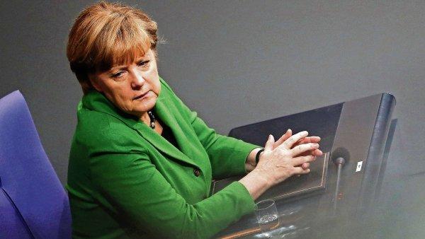 """Němci v regionálních volbách """"ohodnotí"""" politiku kancléřky Angely Merkelové."""