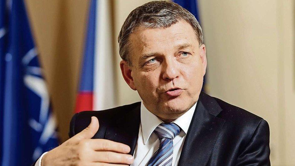Ministr Zaorálek se dohodl s prezidentem Zemanem, že vnitro prozkoumá možný přesun volyňských Čechů