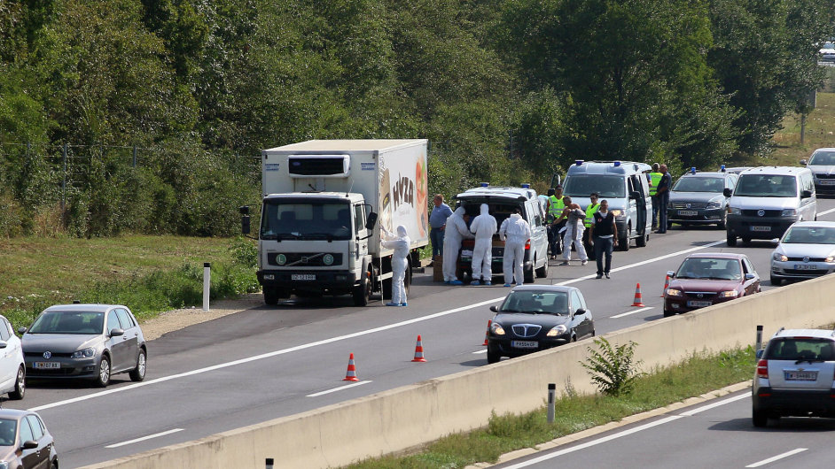 Rakousko, migrace, uprchlíci, dálnice