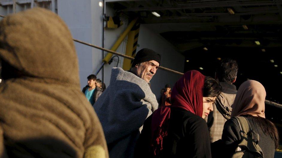 Ve středu poprvé na základě schváleného systému kvót opustili migranti Řecko.