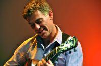Na snímku kytarista Peter Bernstein.