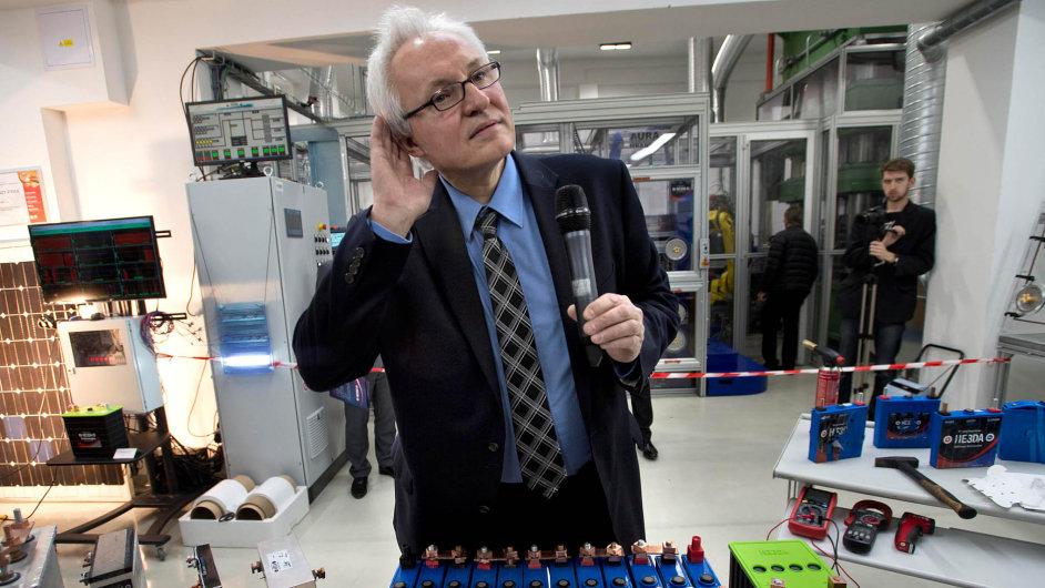 Otec české baterie: Jan Procházka se ještě před třemi lety obával, že mu vyprší patentová ochrana aponápadu skočí někdo jiný.