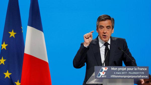 Kandidát francouzských republikánů na prezidenta Francois Fillon.