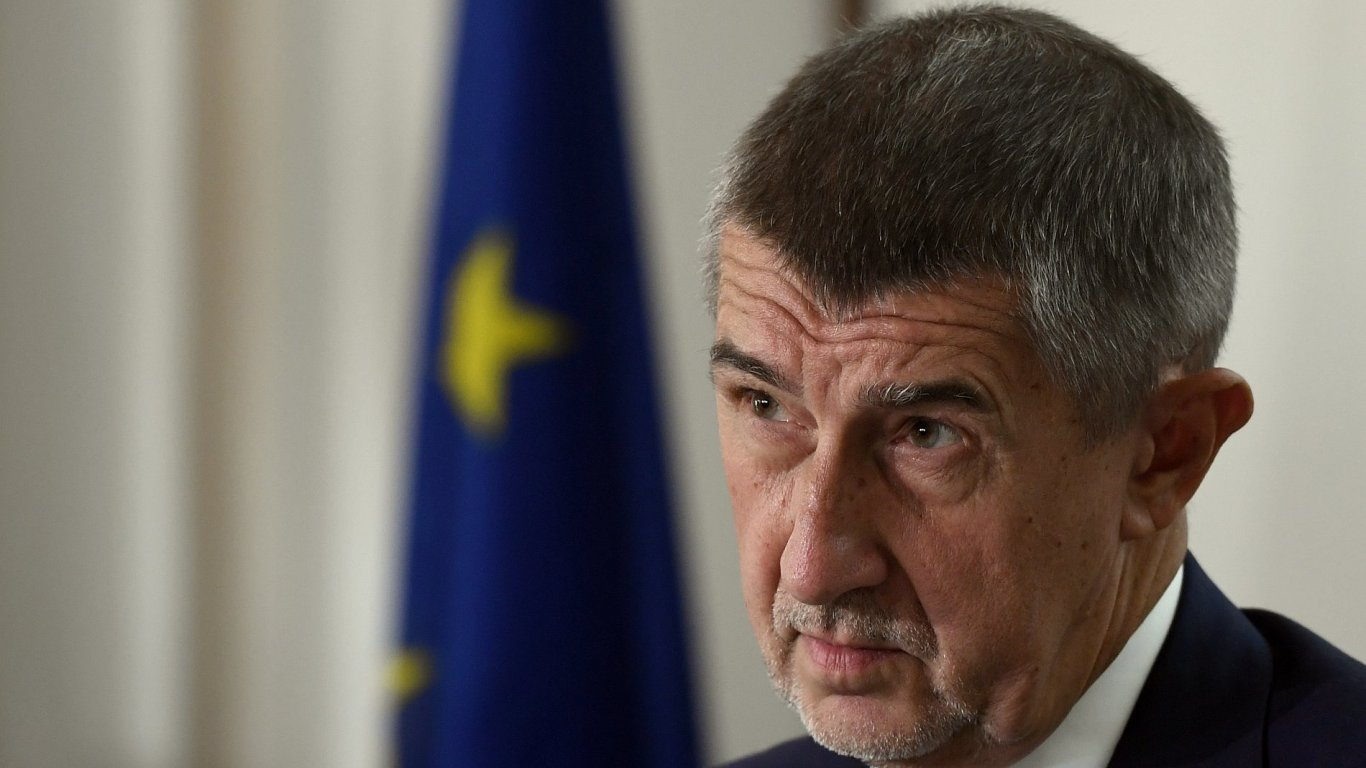Ministr financí Andrej Babiš na tiskové konferenci k předložení návrhu státního rozpočtu.