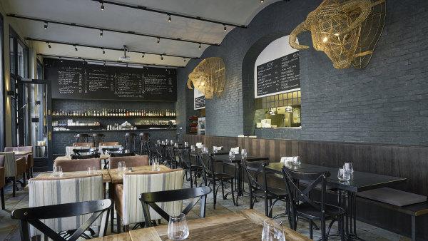 Španělský tapas bar se změnil v Pohostinec Monarch.