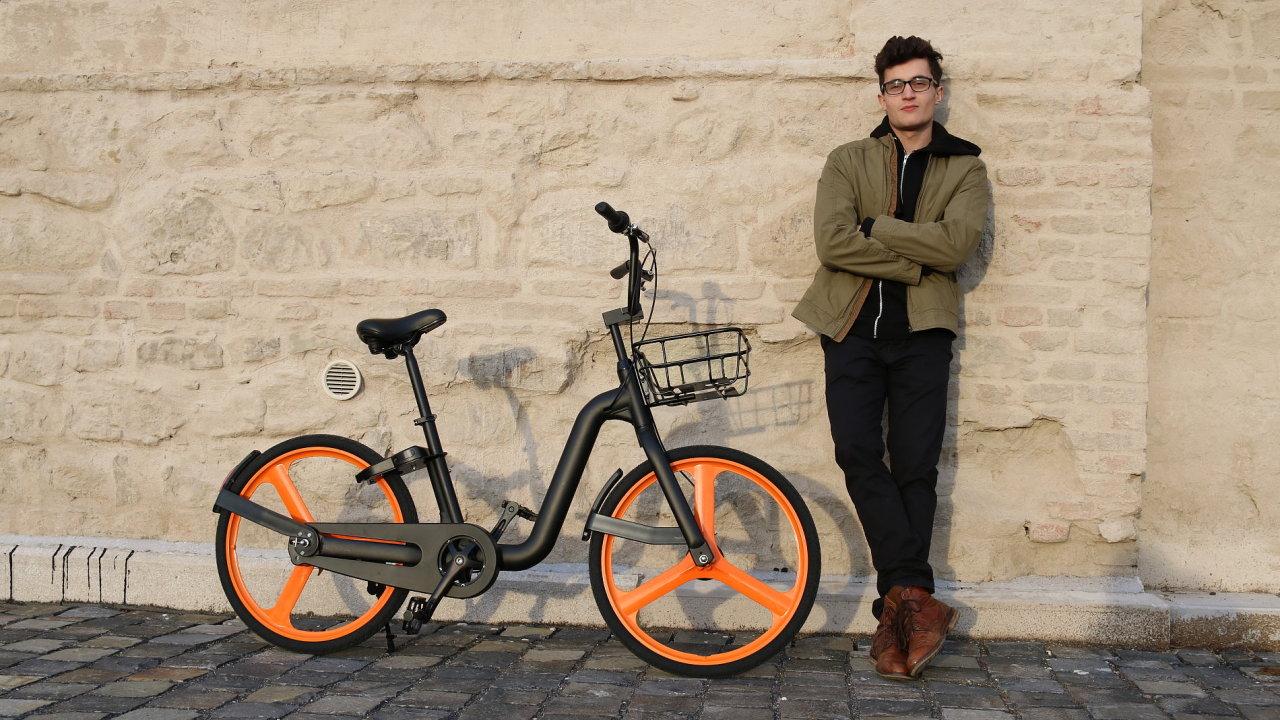 Šéf firmy Futupilot Daniel Kojnok se svým kolem pro Brno.