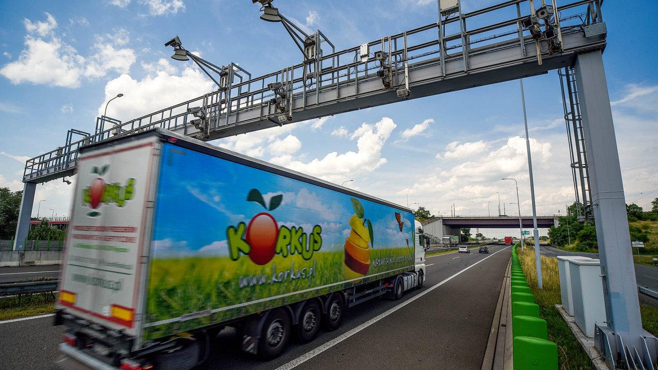 Dálnice D1 v Ostravě, kamion, doprava, mýtná brána, mýto, Kapsch