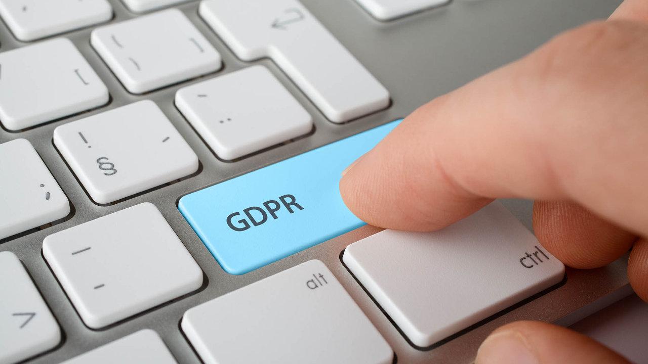 Cílem GDPR je posílit asjednotit pravidla pro ochranu osobních údajů vcelé EU azabránit neoprávněnému obchodování scitlivými daty.
