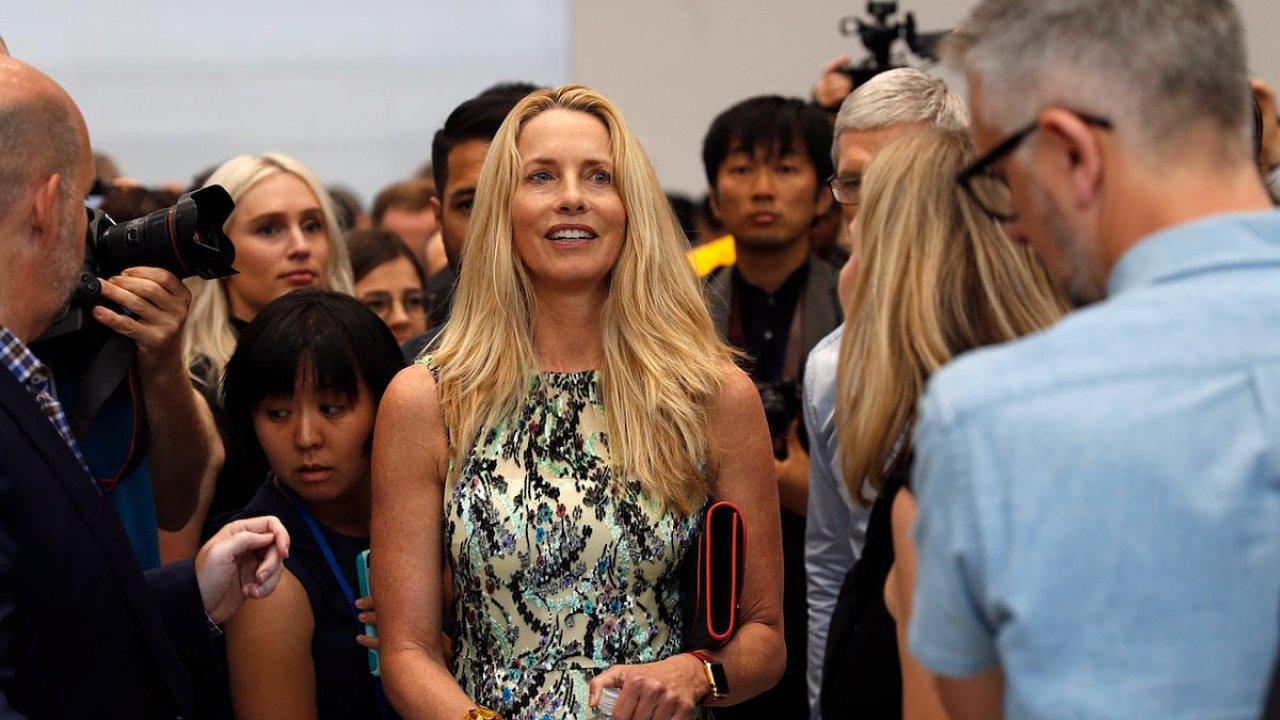 Lauren Powellová Jobsová během návštěvy v kalifornské centrále Applu v září 2017.