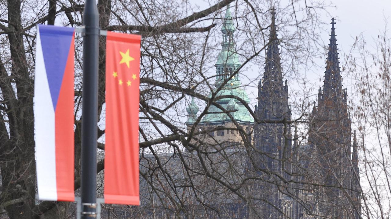Čína, Česko, Pražský hrad, Miloš Zeman, prezident, Praha, vlajky, vlajka, česká, čínská