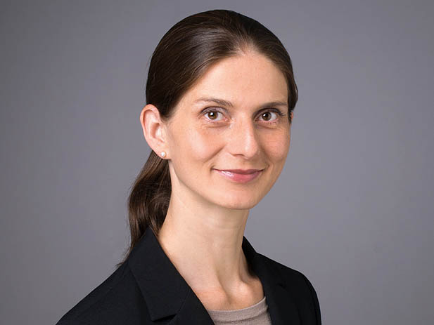 Karin Šoóšová