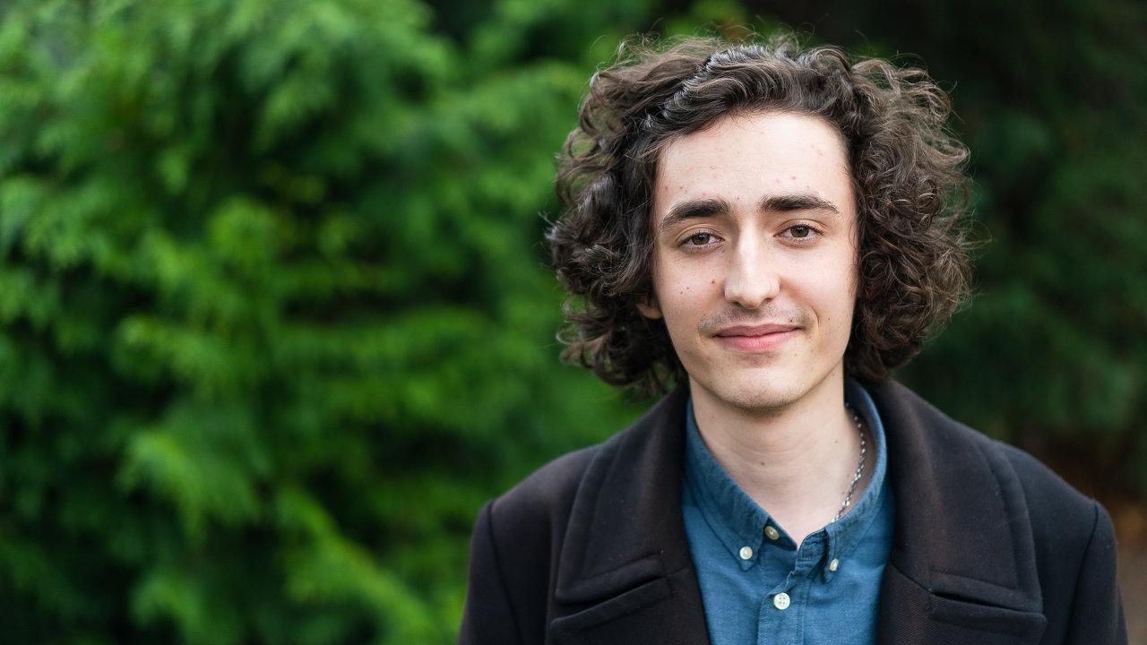 Listopadovým laskavcem se stal student Tomáš Adamec