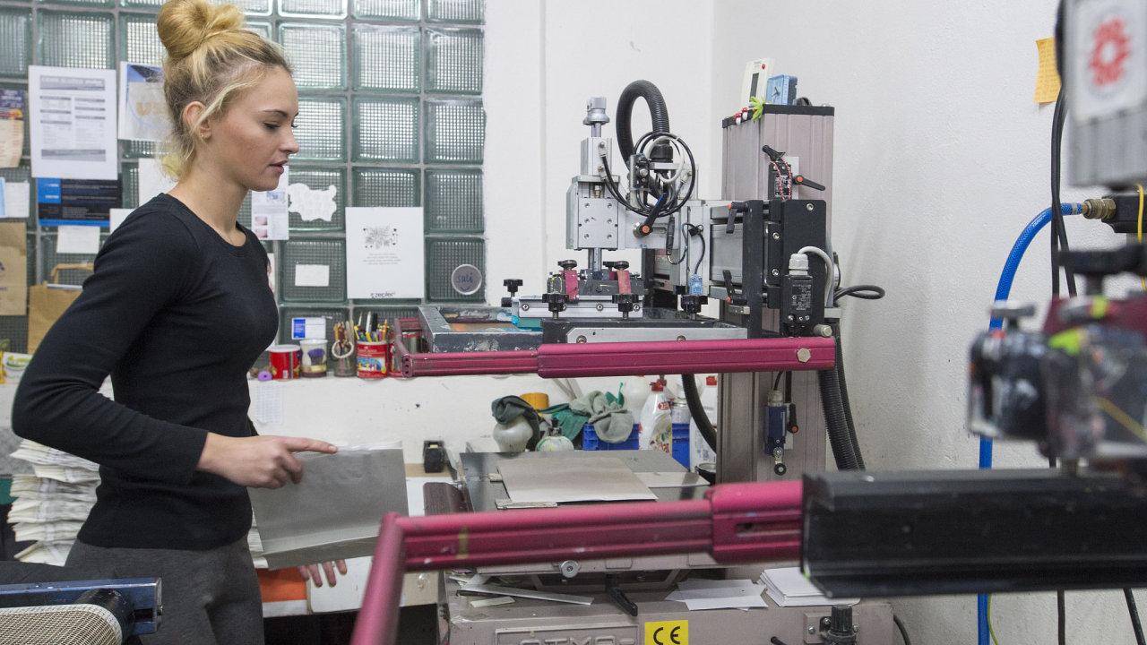 průmysl, tašky, výroba