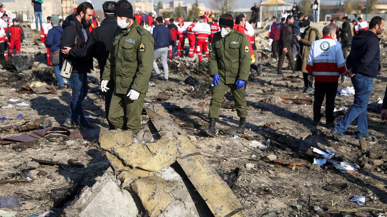 Ukrajina, které havarované letadlo patřilo, namísto vyslala svoje experty.