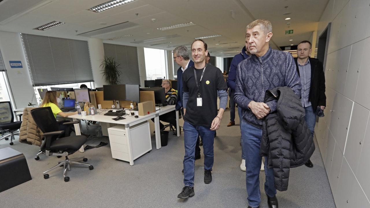 Andrej Babiš a Karel Havlíček na hackathonu.