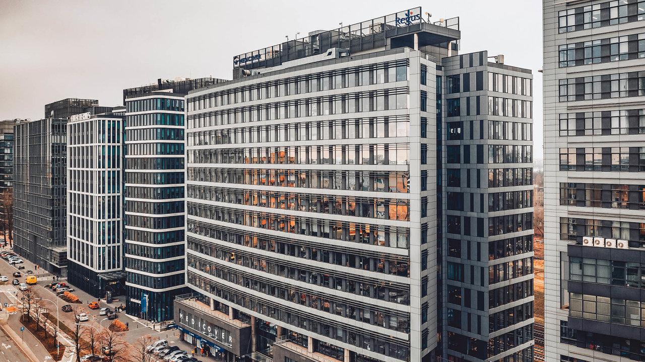 CPI je jedním z největších vlastníků komerčních nemovitostí v Česku i v Polsku. Budovu Equator II ve Varšavě firma koupila v lednu od developera Karimpol jako součást nákupů oznámených už loni.