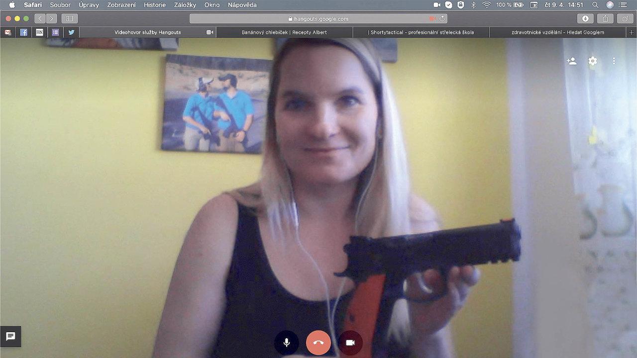 Instruktorka střelby Marie Krátká